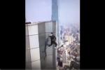 Video: Quay cảnh mạo hiểm kiếm tiền chữa bệnh cho mẹ, nam diễn viên rơi từ tầng 62