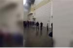 Video: Người đàn ông lao khỏi cửa sổ tầng 3 để thoát thân trong đám cháy ở Nga