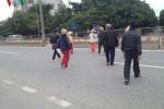 Vì sao dân mang gạch đá chặn đường lên sân bay Nội Bài?