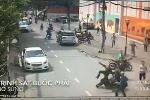 Clip: Cảnh sát nổ súng, bắt nhóm trộm xe máy giữa phố Sài Gòn như phim hành động