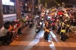 Giới trẻ tham gia trào lưu 'bỏ xe trống khi dừng đèn đỏ' có thể bị phạt?
