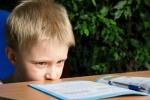 9 tác hại khi cha mẹ để trẻ sử dụng smartphone