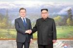 Truyền thông Triều Tiên hé lộ nội dung cuộc hội đàm bất ngờ của ông Kim Jong-un và ông Moon Jae-in