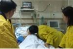 Nụ hôn vĩnh biệt rơi nước mắt của người vợ trước khi hiến tạng chồng cứu 5 người