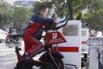 Ảnh: Xem dân Thủ đô vừa đạp xe thể dục vừa lọc nước ở hồ Hoàng Cầu