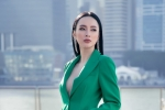 Angela Phương Trinh khoe đường cong sexy táo bạo tại Singapore