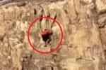 Clip: Chơi trội leo núi bằng tay không, nam thanh niên rơi từ độ cao 30 m xuống đất