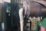 Video: Ám ảnh cảnh tái chế rác thải bẩn kinh hoàng thành hộp nhựa, xốp đựng thức ăn