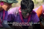 Clip: Xuân Trường trổ tài nấu canh cá cùng đồng đội