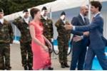 Bỏ qua Thủ tướng Bỉ, Thủ tướng Canada bước đến ôm hôn phu nhân người đồng cấp