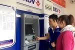 Tăng phí dịch vụ: Ngân hàng đang tận thu?