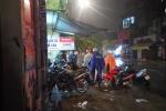 Thợ sửa xe máy kiếm bộn trong đêm mưa ngập lịch sử ở TP.HCM