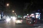 Cướp áp sát, giật túi xách 2 cô gái đi xe máy ở Hà Nội