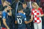 Tong thong Phap va Croatia dam mua trao huy chuong, ong Putin duoc che o hinh anh 4