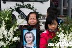 Hai bệnh nhân mù nhận giác mạc của bé gái 7 tuổi bị ung thư hiến tặng
