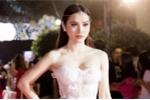 Hóa nữ thần mùa xuân, Phương Trinh Jolie khoe 3 vòng nóng bỏng