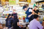 Ban 200 nghin dong 1 to bun, Truong Giang bi Hua Vi Van to 'chat chem' khach hang hinh anh 3