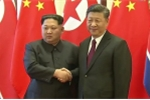Video: Ông Kim Jong-un rạng rỡ bắt tay Chủ tịch Tập Cận Bình