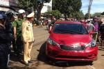 Nữ tài xế ô tô gây tai nạn liên hoàn ở chợ, 3 người thương vong