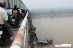 Xe Mercedes lao xuống sông Hồng, 2 người chết: Xác định người cầm lái