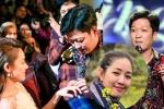 'Chiếm sóng' cầu hôn Nhã Phương, Trường Giang bị đạo diễn chỉ trích gay gắt