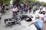 Tên cướp đường phố gây tai nạn liên hoàn