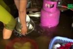 Bão số 3 áp sát Thanh Hóa: Nước lên nhanh nhấn chìm đồ đạc, dân khốn khổ không kịp trở tay