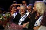 Video: Khoảnh khắc cụ bà 93 tuổi bước lên bục nhận vương miện hoa hậu