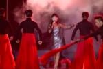 Diva Hồng Nhung xin lỗi Sơn Tùng M-TP vì quên lời khi hát 'Lạc trôi'