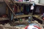 Ảnh: Kí túc xá ĐH Quốc gia TP.HCM tan hoang sau trận mưa lớn, sinh viên hoảng sợ bỏ chạy