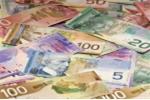 Canada phát tiền trợ cấp cho người dân gần 17.000 USD/năm