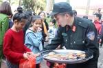 Chiến sỹ cảnh sát cơ động Hà Nội mang yêu thương đến với số phận thiệt thòi