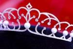 Lần đầu tiên Á hậu Hoa hậu Hoàn vũ cũng được sở hữu vương miện