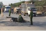 Xe tải lấn làn tông chếtngười phụ nữ đi xe máy ở Hà Nội