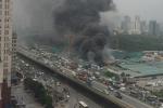 Hiện trường vụ nhà xưởng cháy dữ dội trên đường Phạm Hùng