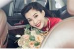 Clip: Giây phút Hoa hậu Thu Thảo đẹp rạng rỡ lên xe về nhà chồng đại gia