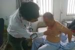 Côn đồ xông vào phòng cấp cứu hành hung bệnh nhân