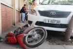 Taxi mất lái đâm liên hoàn trên phố Sài Gòn