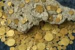 Phát hiện kho báu tiền xu trị giá 100 tỷ đồng dưới đáy biển