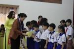 Chủ tịch Quốc hội thăm, tặng quà Tết tại Cần Thơ