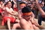 Ảnh: Xem trai làng vạm vỡ kéo co ngồi 'có một không hai' ở Việt Nam