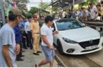 Đà Nẵng: Tài xế ngang nhiên đậu ô tô suốt 2 tiếng đồng hồ trên đường ray