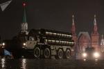 Dàn vũ khí 'khủng' của Nga luyện tập trong đêm chờ duyệt binh Ngày Chiến thắng