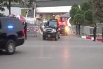 Clip: Đoàn xe đưa ông Trump rời khách sạn tới địa điểm gặp ông Kim Jong-un