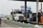 Video: Cận cảnh chiếc xe cẩu 'khủng' được điều đến BOT quốc lộ 5