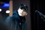 Sơn Tùng M-TP miệt mài tập luyện cho buổi họp fan tại Hàn Quốc