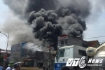 Cảnh hoang tàn sau vụ nổ xưởng bánh kẹo, 8 người chết ở Hà Nội