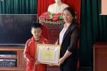 Bộ trưởng Phùng Xuân Nhạ gửi thư khen học sinh lớp 2 vượt hơn trăm km học tiếng Anh