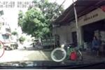 Khoảnh khắc công nông lật ngửa, đè chết tài xế ở Hà Nội