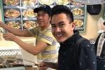 NSƯT Hoài Linh về thăm bố mẹ, vui vẻ hội ngộ con trai ruột tại Mỹ